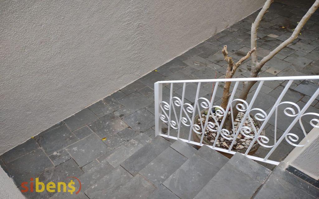 51e97c39-d65f-4767-8907-f76baf17c361-SIBENS CASA Jardim dos Pinheiros 1504 Casa para venda tem 176m com 3 Suítes e 03 Vagas em Jardim Pinheiros / Jardim Líbano- São Paulo - SP