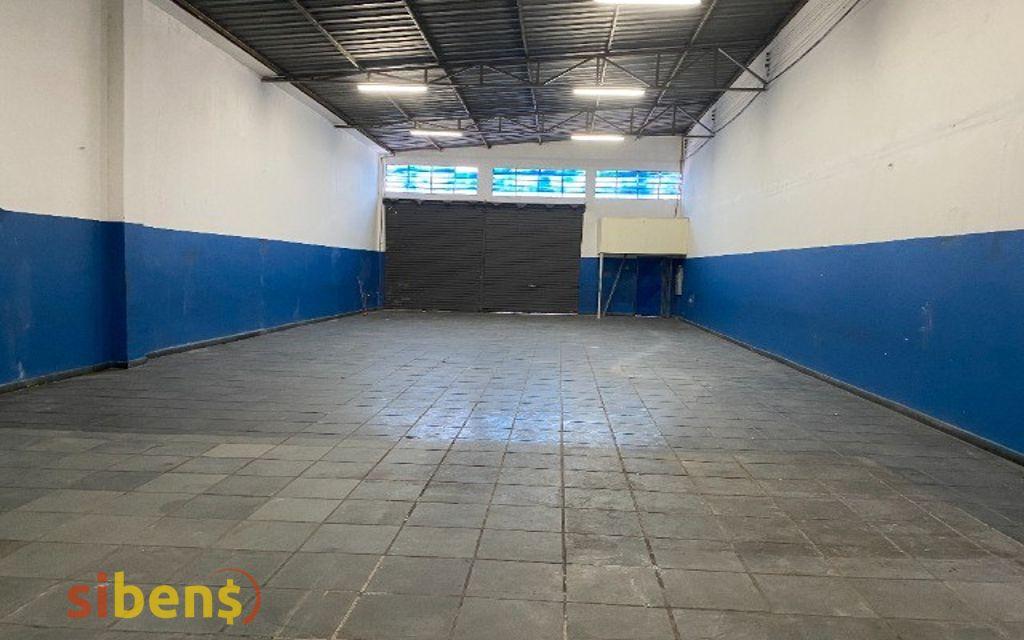 Galpão para aluguel possui 386m com TRIFASICO e 03 Vagas em Vila DIRCE / Carapicuiba SP2 quartos