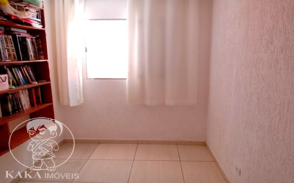 KIKUDOME IMOVEIS CASA Parque Tomas Saraiva 45379 02 dormitórios, sala, cozinha, banheiro, área de serviço, quintal, corredor e entrada lateral e 2 vagas de garagem.