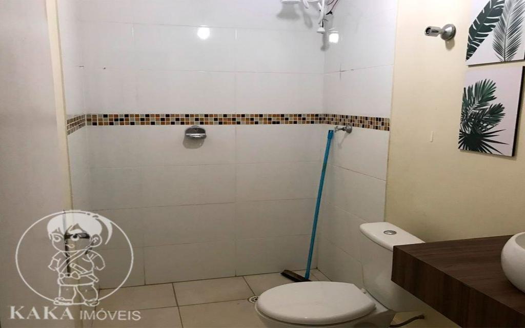KAKA IMOVEIS SOBRADO Jardim Piqueroby 39462 02 dormitórios, sala, cozinha com armários, banheiro, área de serviço, e 01 vaga de garagem.