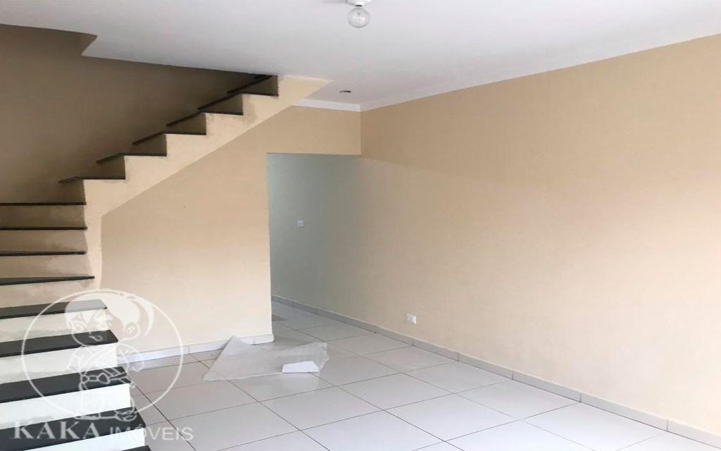 KAKA IMOVEIS SOBRADO Jardim Piqueroby 39459 02 dormitórios, sala, cozinha com armários, banheiro, área de serviço, e 01 vaga de garagem.