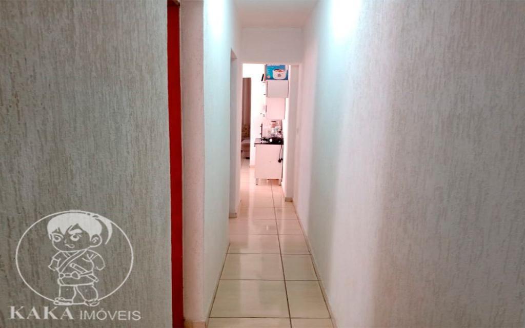 KIKUDOME IMOVEIS CASA Parque Tomas Saraiva 45384 02 dormitórios, sala, cozinha, banheiro, área de serviço, quintal, corredor e entrada lateral e 2 vagas de garagem.