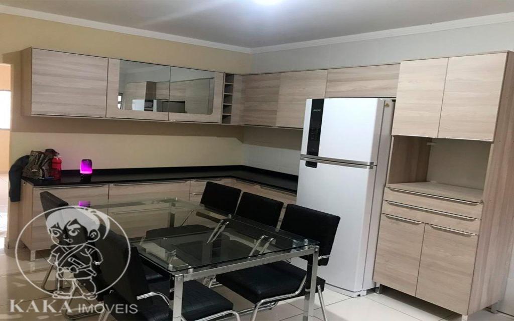 KAKA IMOVEIS SOBRADO Jardim Piqueroby 39461 02 dormitórios, sala, cozinha com armários, banheiro, área de serviço, e 01 vaga de garagem.