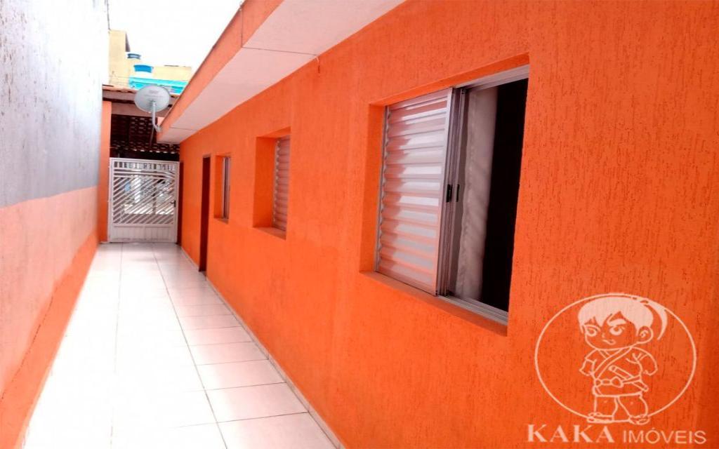KIKUDOME IMOVEIS CASA Parque Tomas Saraiva 45371 02 dormitórios, sala, cozinha, banheiro, área de serviço, quintal, corredor e entrada lateral e 2 vagas de garagem.