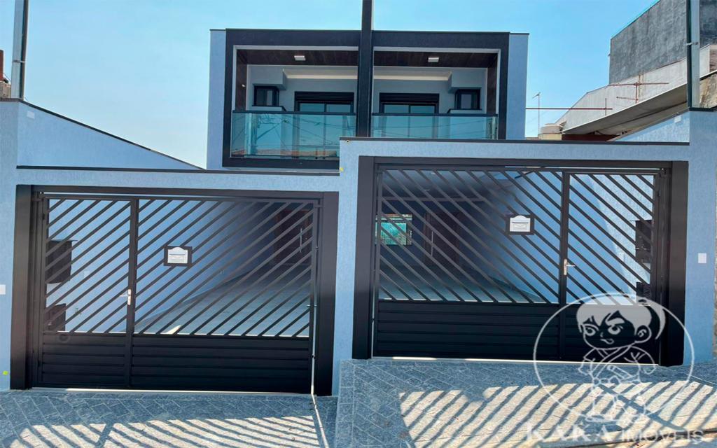 c7634374-eba3-434a-8f36-76f53bb600af-KIKUDOME IMOVEIS SOBRADO Vila Carrao 46635 3 Dormitórios (2 suítes). Sala ampla para até 3 ambientes. Cozinha. 3 Banheiros, lavabo. Área de Serviço. 2 Jardins de inverno. Quintal de 10m com churrasqueira coberta. Garagem coberta com 3 vagas.  Entregue com piso em todos os ambientes, pia de mármore nos banheiros