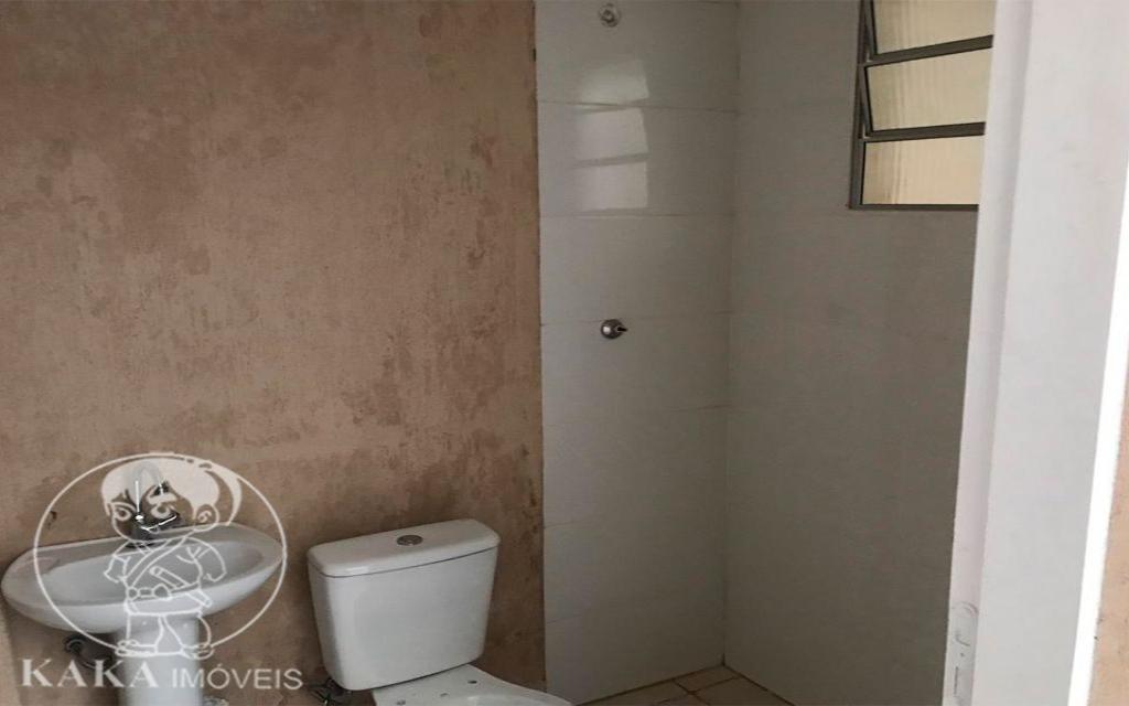 KAKA IMOVEIS SOBRADO Jardim Piqueroby 39467 02 dormitórios, sala, cozinha com armários, banheiro, área de serviço, e 01 vaga de garagem.