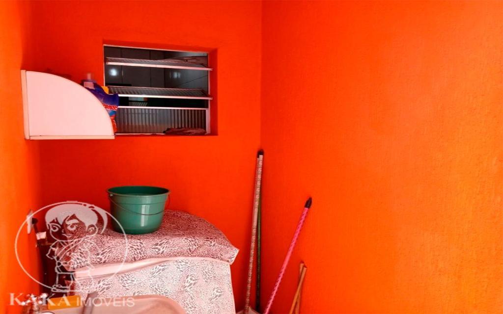 KIKUDOME IMOVEIS CASA Parque Tomas Saraiva 45373 02 dormitórios, sala, cozinha, banheiro, área de serviço, quintal, corredor e entrada lateral e 2 vagas de garagem.