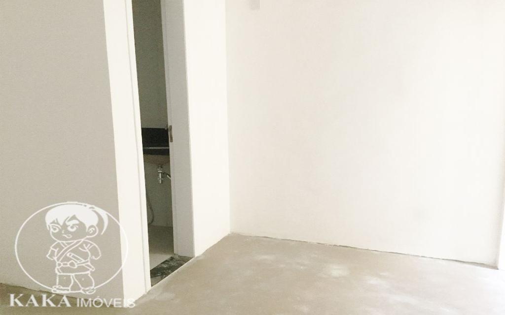 KAKA IMOVEIS CONDOMINIO FECHADO Vila Formosa 42085 03 suítes, sala espaçosa, cozinha, banheiro, lavabo, lavanderia, terraço gourmet com churrasqueira e 04 vagas na garagem subterrânea.   - Excelente localização, área residencial, próxima ao shopping Anália Franco.
