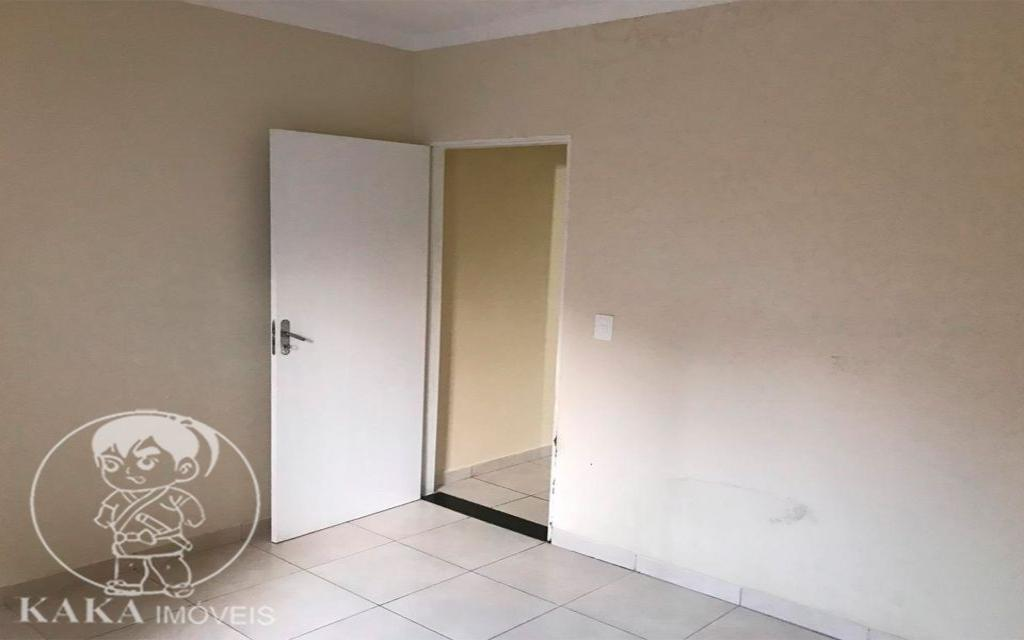 KAKA IMOVEIS SOBRADO Jardim Piqueroby 39463 02 dormitórios, sala, cozinha com armários, banheiro, área de serviço, e 01 vaga de garagem.