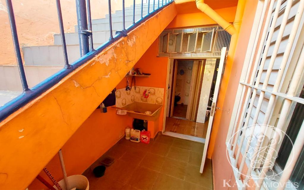 f5a49f71-6506-4f91-bc67-70090ad586bd-KIKUDOME IMOVEIS CASA Vila Formosa 45714 02 dormitórios, sala, banheiro, área de serviço e 01 vaga de garagem.