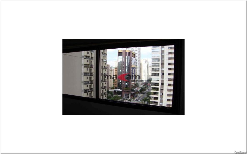 MACAM IMOVEIS Apartamento Moema Indios 15799 Excelente apartamento de alto padrão, em uma ótima localização, há 2 quadras do Shopping Ibirapuera, junto a  farmácias, restaurantes, serviços e comércios em geral.    Apartamento com  50m², com 1 dormitório, banheiro, hall, sala com 2 ambientes e cozinha, totalmente mobiliado em alto padrão, 1 vaga coberta na garagem,  lavanderia: Lava e Seca (Inclusa na Taxa de Condomínio), TV a Cabo com 70 Canais (NET), já inclusa na taxa de condomínio.   Edifício com sistema de segurança e lazer completo: piscina, sauna, sala de ginastica, sala de estar, salão de festas.  Valor total do pacote R$ 3.023,74
