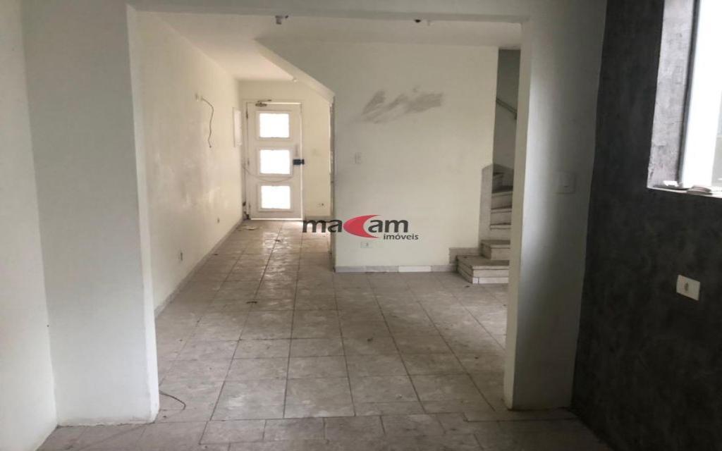 MACAM IMOVEIS Sobrado Moema 18976 Sobrado Comercial com 3 salas na parte superior, mais 3 salas na parte de baixo com 3 banheiros 1 vaga de garagem,  ao lado do Shopping Ibirapuera e próximo ao metrô.  Valor abaixo do mercado para venda Só R$ 870.000,00