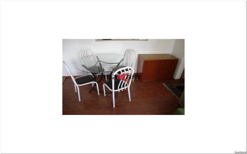 MACAM IMOVEIS Apartamento Moema Indios 15796 Excelente apartamento de alto padrão, em uma ótima localização, há 2 quadras do Shopping Ibirapuera, junto a  farmácias, restaurantes, serviços e comércios em geral.    Apartamento com  50m², com 1 dormitório, banheiro, hall, sala com 2 ambientes e cozinha, totalmente mobiliado em alto padrão, 1 vaga coberta na garagem,  lavanderia: Lava e Seca (Inclusa na Taxa de Condomínio), TV a Cabo com 70 Canais (NET), já inclusa na taxa de condomínio.   Edifício com sistema de segurança e lazer completo: piscina, sauna, sala de ginastica, sala de estar, salão de festas.  Valor total do pacote R$ 3.023,74