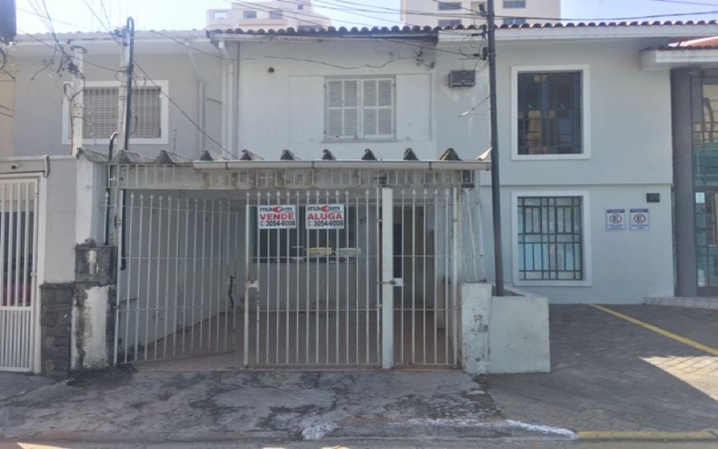 MACAM IMOVEIS Casa Moema 6883 Sobrado Comercial com 3 salas na parte superior, mais 3 salas na parte de baixo com 3 banheiros 1 vaga de garagem,  ao lado do Shopping Ibirapuera e próximo ao metrô.  Valor abaixo do mercado para venda Só R$ 870.000,00