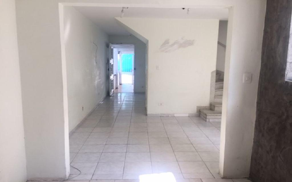 MACAM IMOVEIS Casa Moema 6885 Sobrado Comercial com 3 salas na parte superior, mais 3 salas na parte de baixo com 3 banheiros 1 vaga de garagem,  ao lado do Shopping Ibirapuera e próximo ao metrô.  Valor abaixo do mercado para venda Só R$ 870.000,00