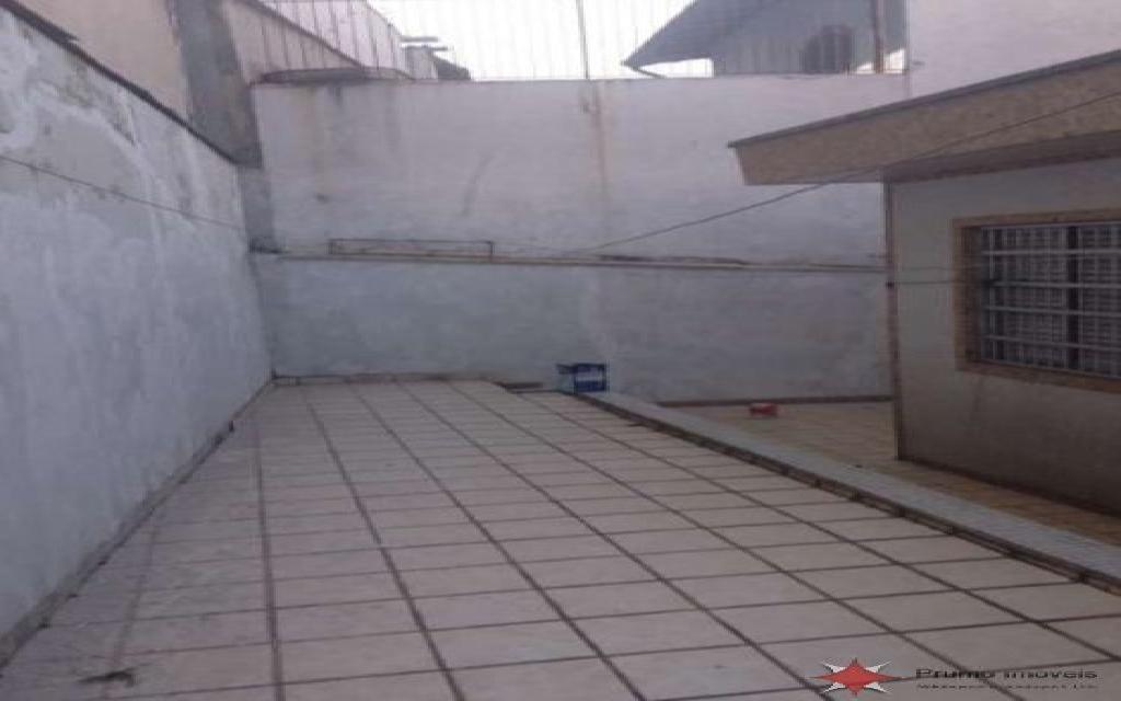 PRUMO IMOVEIS SOBRADO Vila Formosa 5110 SOBRADO COM EXCELENTE LOCALIZAÇÃO NA VILA FORMOSA, SÃO 3 DORMITÓRIOS SENDO 1 SUÍTE, QUARTO DE EMPREGADA COM BANHEIRO, SALA E QUARTOS AMPLOS , 4 BANHEIROS,  3 VAGAS DE GARAGEM INDEPENDENTES, ENTRADA LATERAL E AMPLO QUINTAL NOS FUNDOS. POSSUI PISO DE GRANITO NA SALA, ARMÁRIO NA COZINHA, GUARDA ROUPAS EMBUTIDO NOS QUARTOS E BANHEIRA DE HIDROMASSAGEM NA SUÍTE. ESTÁ LOCALIZADO EM UMA REGIÃO MUITO ARBORIZADA, PRÓXIMO A PRAÇAS, AO MERCADO MUNICIPAL, BANCOS E COMÉRCIOS DA REGIÃO.  A 5 MINUTOS DO SHOPPING ANÁLIA FRANCO, PARQUE CERET E HOSPITAL VITÓRIA.