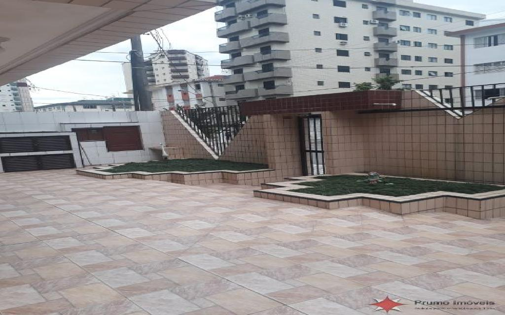 PRUMO IMOVEIS APARTAMENTO Vila Guilhermina 11839 1 DORMITÓRIO, SALA, COZINHA PLANEJADA, LAVANDERIA, 2 VAGAS DE GARAGEM, PISO FRIO, BANHEIRO COM BOX, A 1 QUARTEIRÃO E MEIO DA PRAIA, PRÓXIMO A FEIRINHA